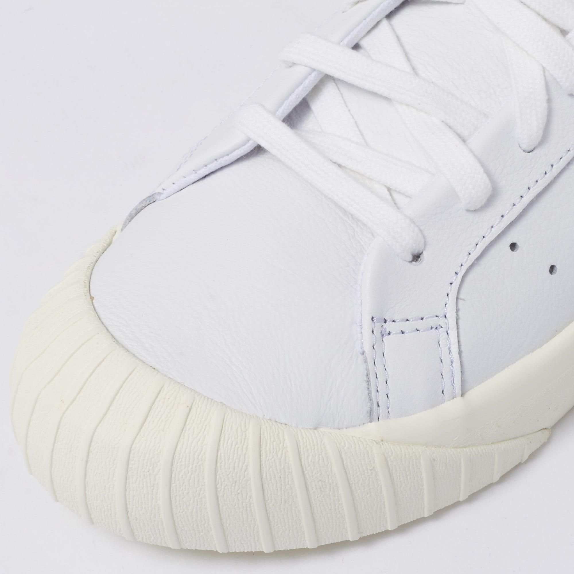 adidas Originals Womens Womens Everyn Sneakers FTWR White & Ash Pink