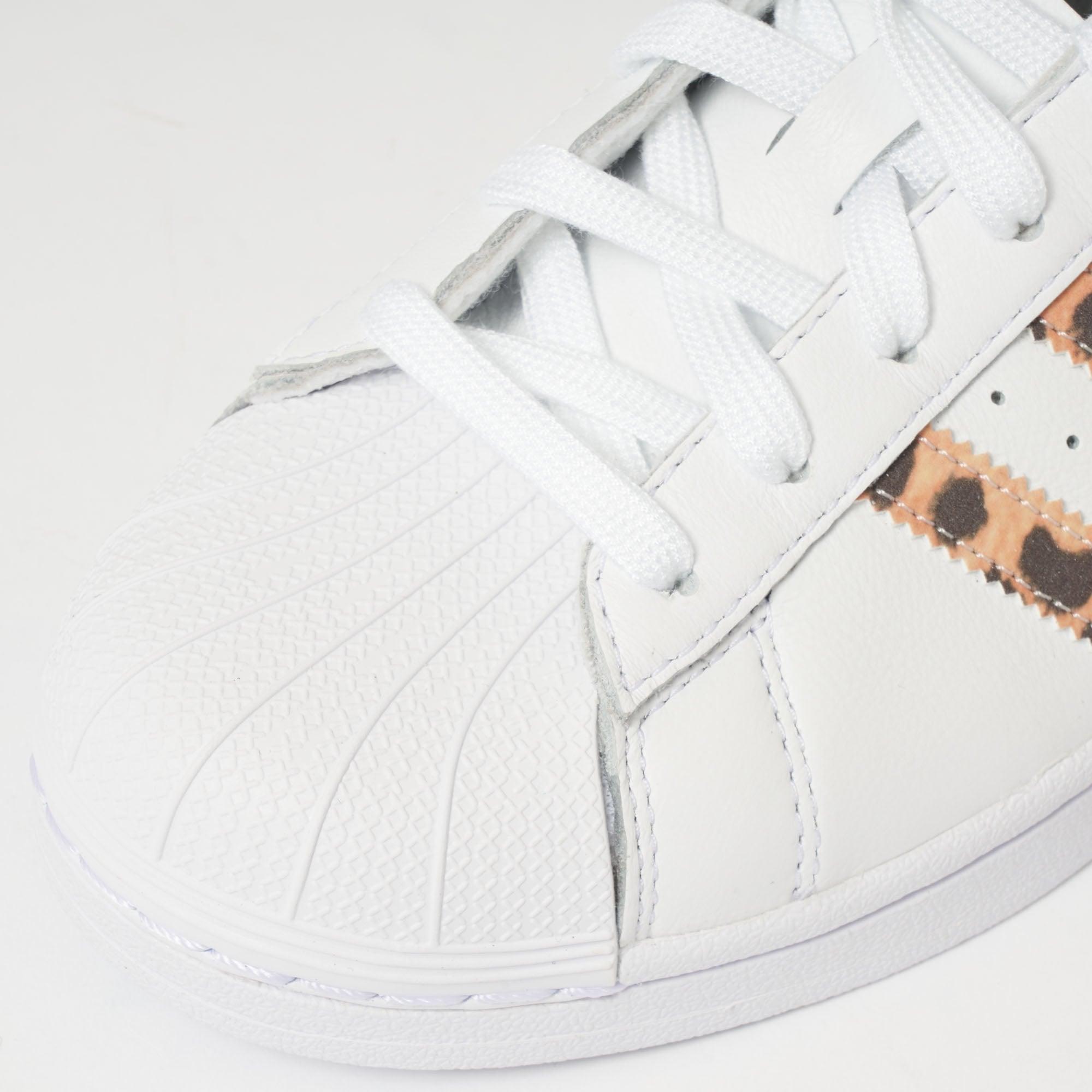 Superstar White & Tiger Print