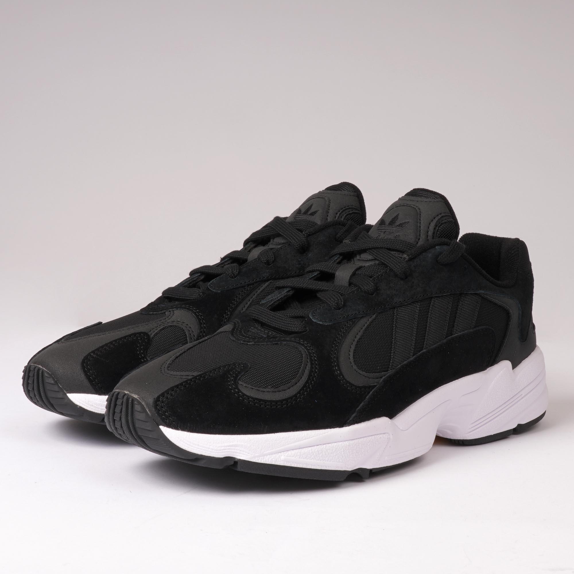 adidas Originals Yung-1 | Core Black